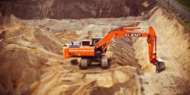 excavators-1178241_1280